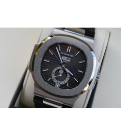 Patek Philippe [NEW & RARE & SPECIAL DEAL] Nautilus 5726A-001 Annual Calendar Moon Phase Black Dial (List Price: HK$295,400)